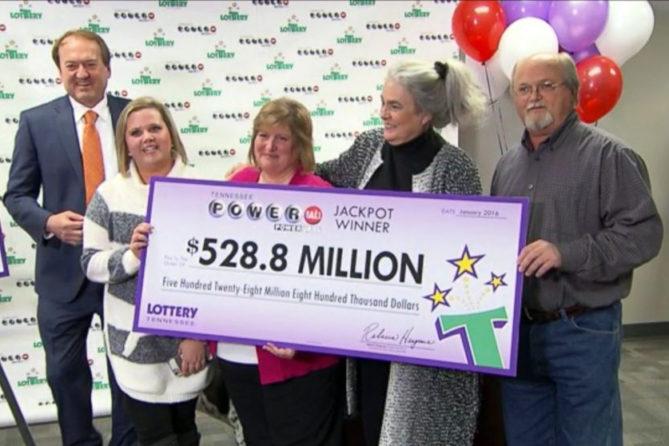 Quem ganhou a loteria americana? 1